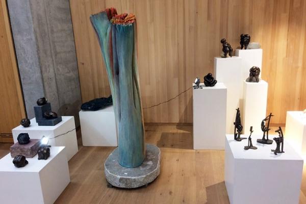 inniger-kuss-skulpturD929DE10-5DE4-9B0F-29EE-4E5B7FFC7D26.jpg